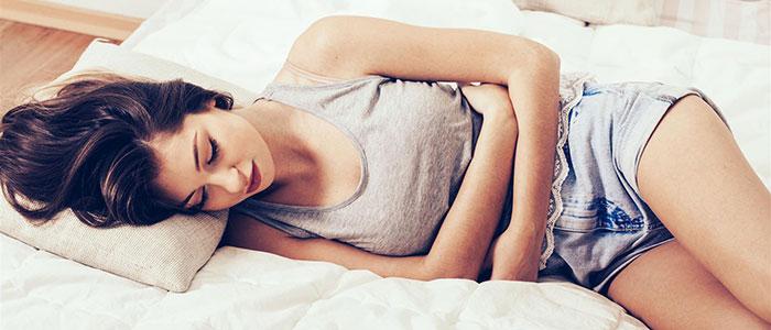 Viele Frauen leiden unter Regelschmerzen