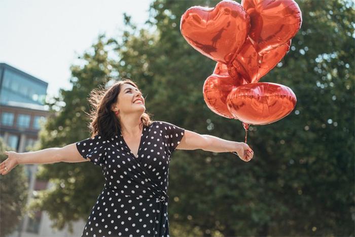 Beziehungscoach Nina Deissler im AMORELIE Interview über das Single sein
